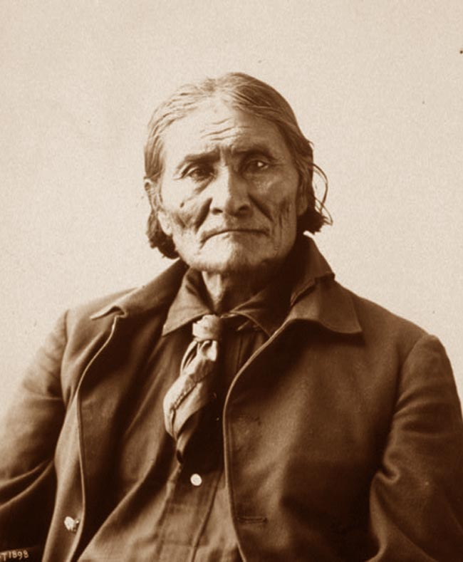 Image : http://www.sonofthesouth.net/american-indians/pictures/apache/geronimo.jpg