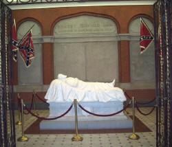 Robert_E_Lee_Tomb_small.jpg