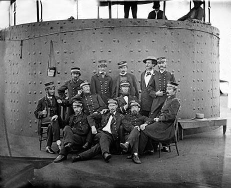 L'équipage du Monitor pose pour la photo
