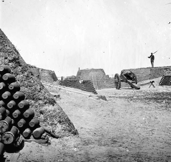 summary of the battle of fort The spanish moved artillery into position and began to prepare siege works on march 10,1780, they opened fire on fort charlotte, initiating the long-awaited battle.